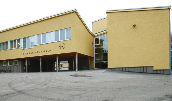 Uuden rakennuksen julkisivun rappaus